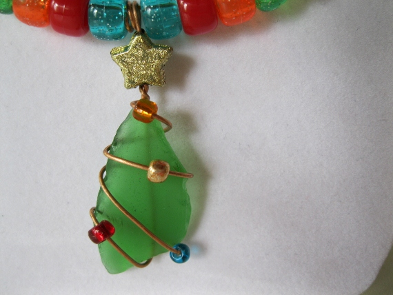 Beach-Glass-Christmas-Tree-Necklace