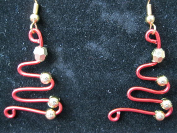 Red-Wire-Holiday-Earrings-in-Gold