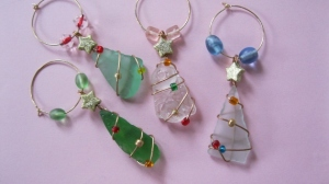 BEACH GLASS CHRISTMAS TREE WINE GLASS CHARMS $15