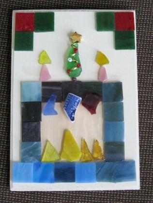 Mosaic-Christmas-Mantle
