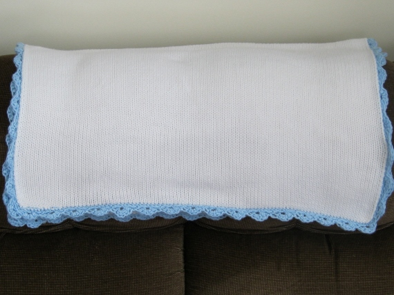 plain baby blanket 003 (570x428)