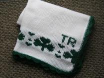 SHAMROCKS BABY BLANKET 010 (570x428)