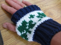 BOOT CUFFS AND FINGERLESS GLOVES 012 (570x428)