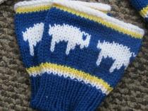 hat scarf glove boot cuff 018 (570x428)