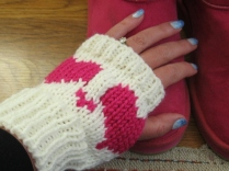 HEART BOOT CUFFS AND FINGERLESS MITTENS (8)
