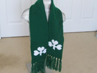 SHAMROCK SCARF AND GLOVES (1)