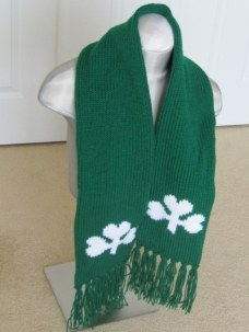SHAMROCK SCARF AND GLOVES (2)
