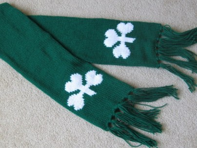 SHAMROCK SCARF AND GLOVES (3)