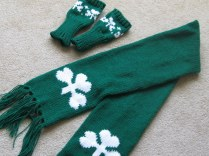 SHAMROCK SCARF AND GLOVES (4)